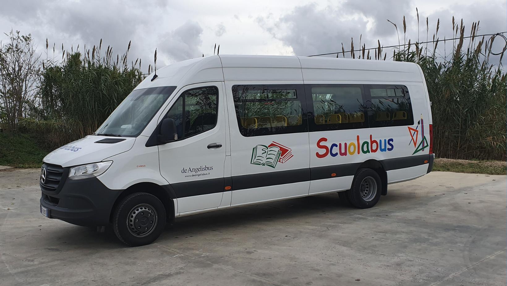 Mercedes_scuolabus